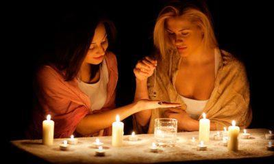 девушки гадают на суженного в новогоднюю ночь
