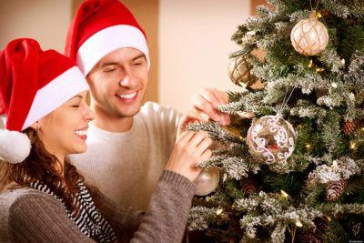 Новый год вдвоем украсить елку